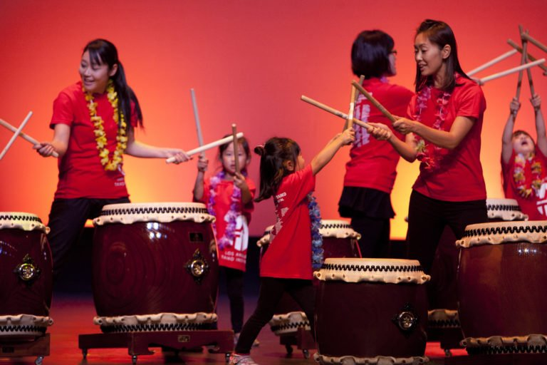 Photo Courtesy: Los Angelos Taiko Institute(6MB, 5236 x 3491 pixels)
